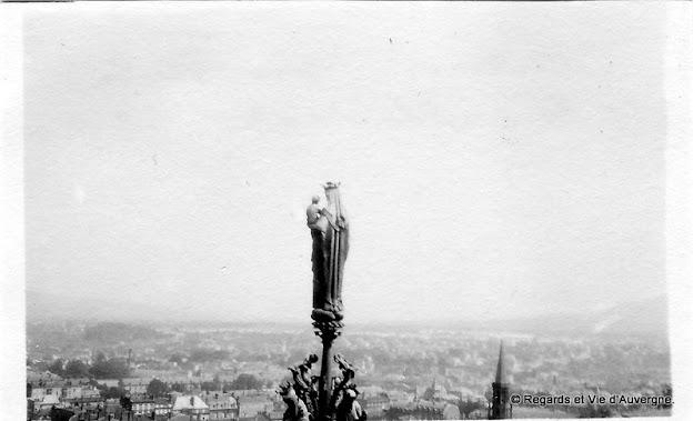 Photo ancienne noir et blanc de Clermont-Ferrand en 1931.Cathédrale