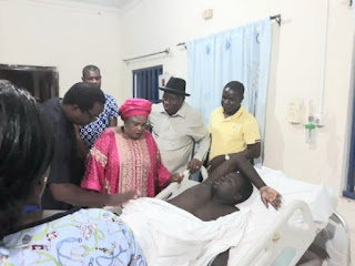 Jonathan Visits Soldier Injured During Gunmen's Attack On His Residence (Photo)