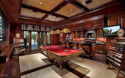 Game room and wet bar