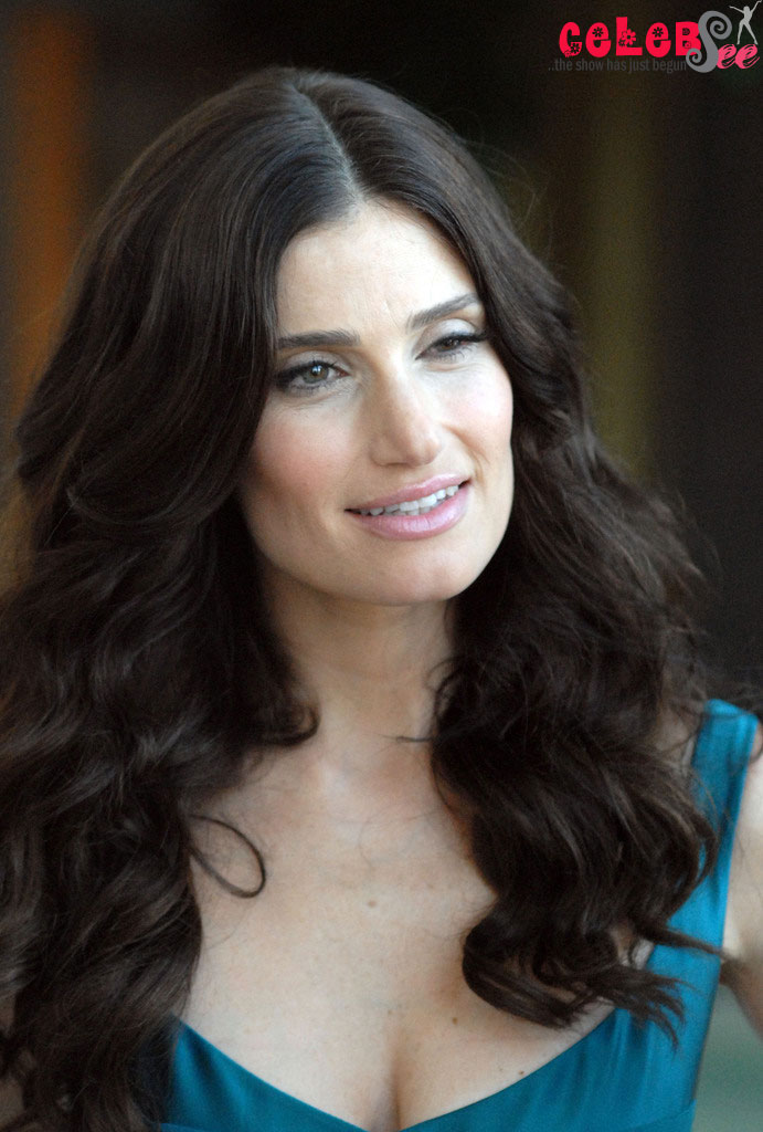 American Actress and Singer Idina Menzel | Hot Site