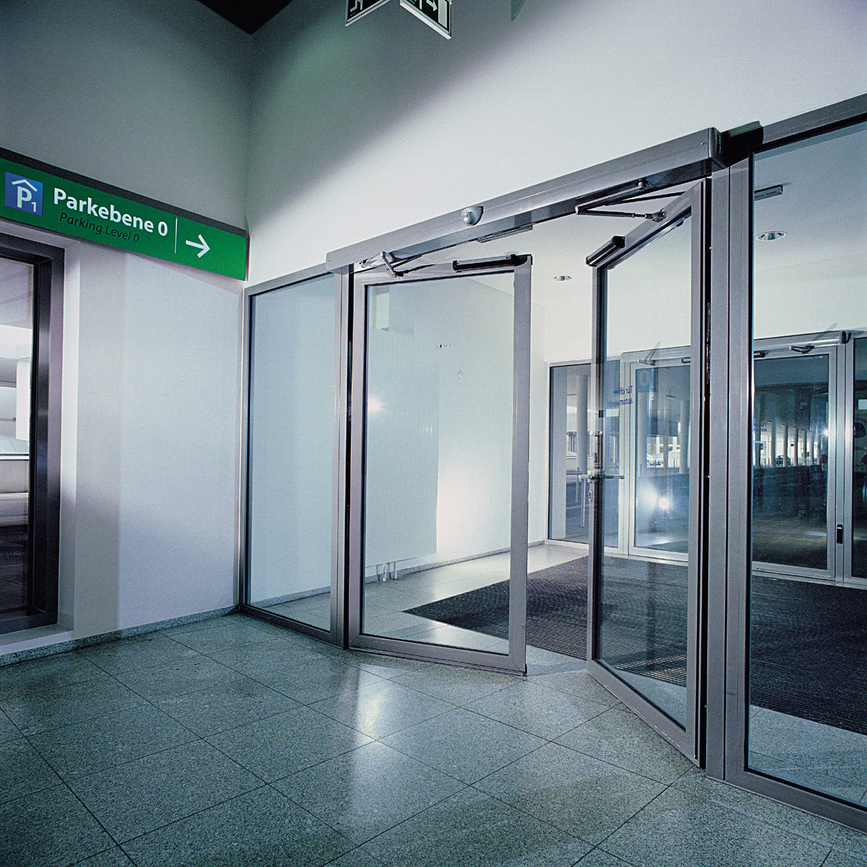 LEADERu201d automatic door is one of the Chinese professional developers and manufacturers for automatic doors automatic windows and safety technology. & Leader Automatic Door: Automatic doors: the rise of an industry history