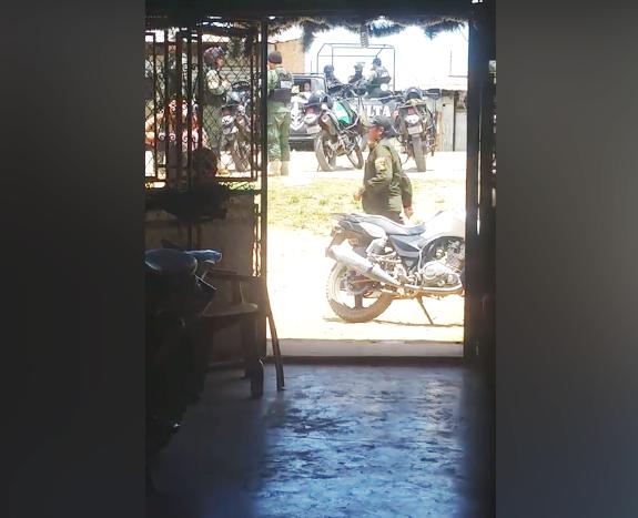 Rastrillaje policial tensionó a vecinos de Puerto Pailas / FACEBOOK