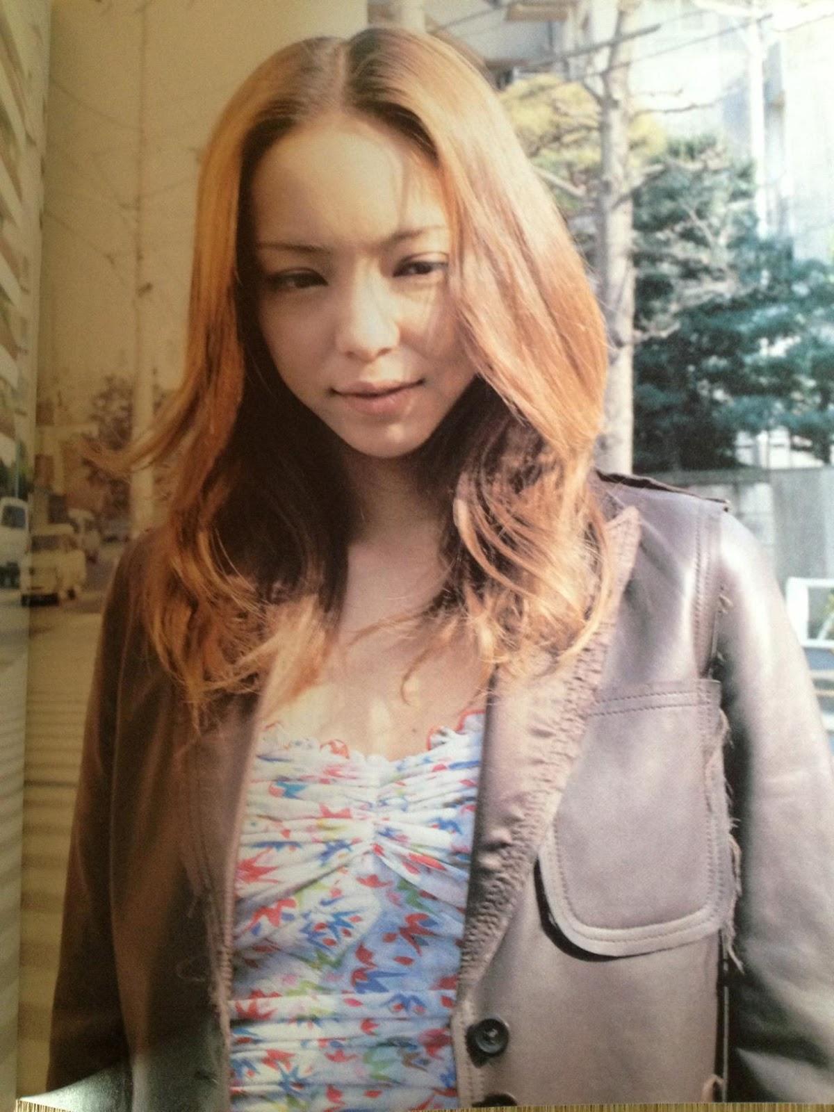 14.プリントキャミソールの安室奈美恵