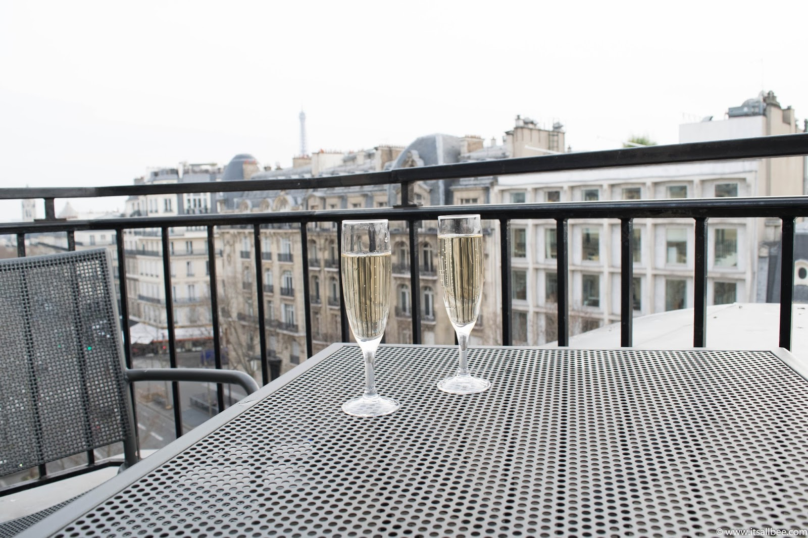 Paris Hotels With Views of Eiffel Tower [and Arc de Triomphe] | hotels in paris with view of eiffel tower