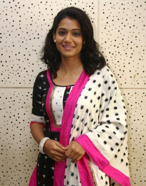 urmila kanitkar actress