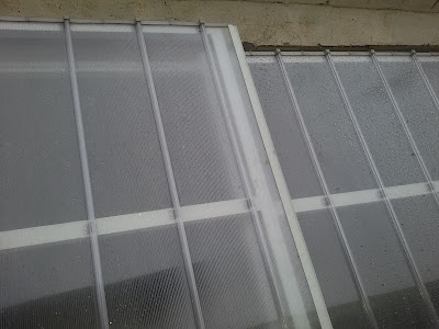 Cobertura de Policarbonato retrátil com telhas de Policarbonato click cor cristal - abre e fecha -