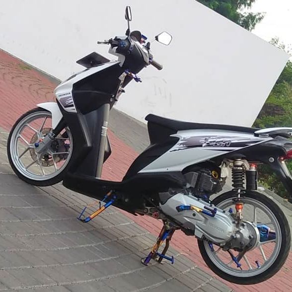 Ragam Motor Unik Modifikasi Motor Beat Karbu Babylook