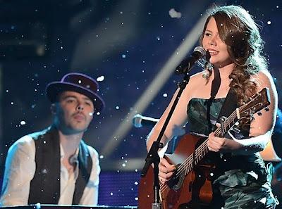 Foto de Jesse y Joy en el escenario