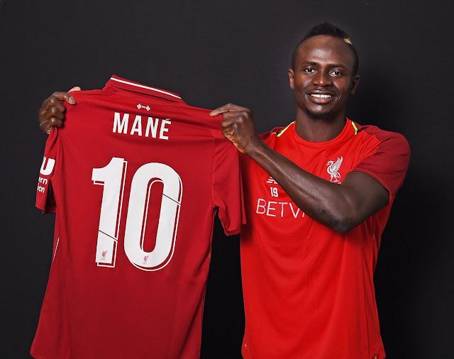 Lộ diện chủ nhân mới của áo số 10 tại Liverpool