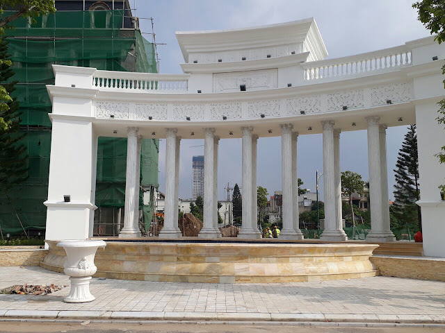Cổng chính Louis City