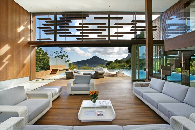 Living room and terrace of Stunning Spa House in Cape Town, South Africa