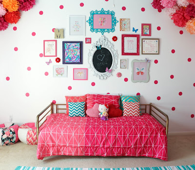 http://kailochic.blogspot.com/2015/04/gallery-wall-wednesday-madelines-pink.html