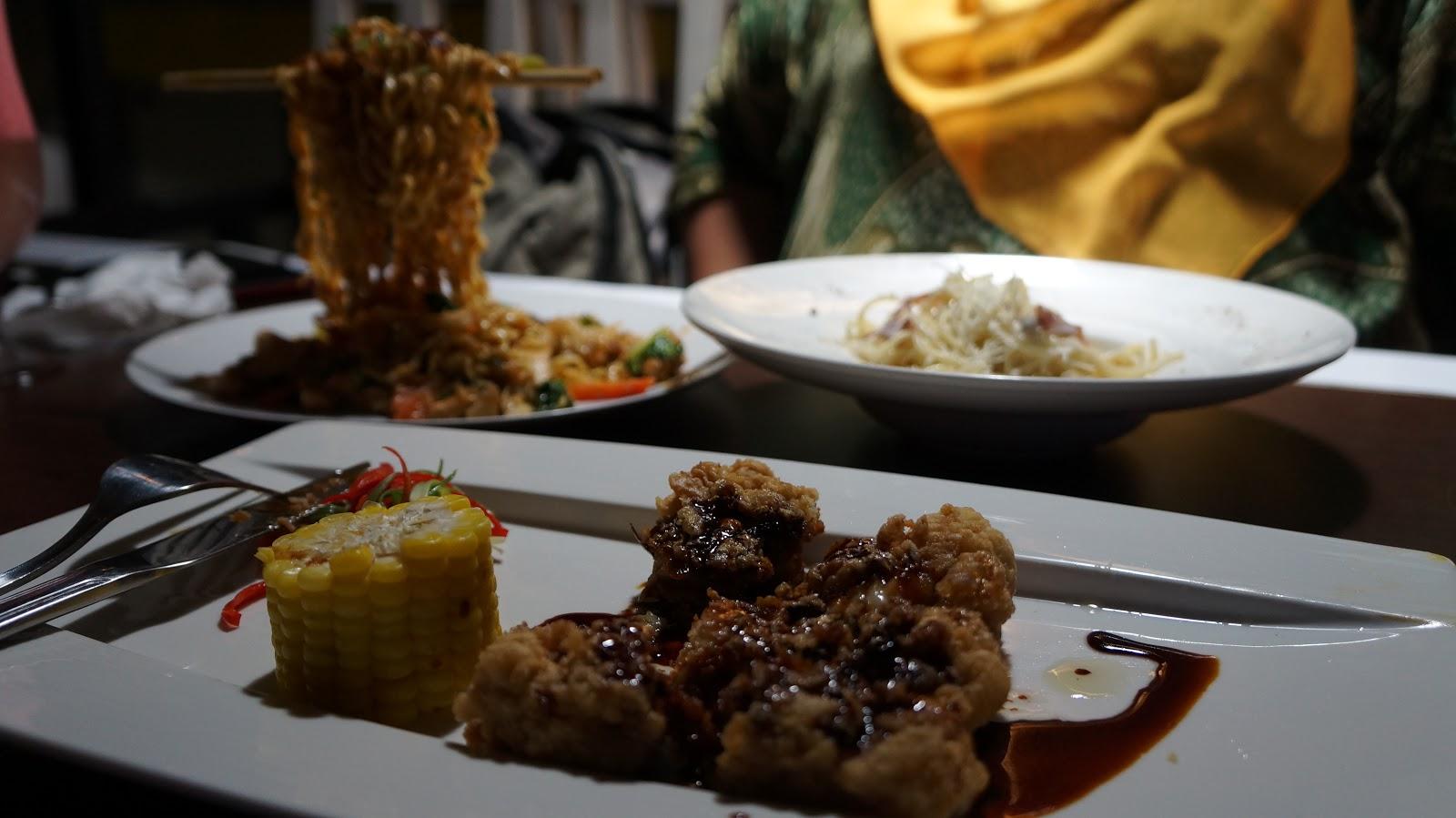 Omg Cafe Mengembalikan Mood Dengan Santai Dan Makan Enak Tukang