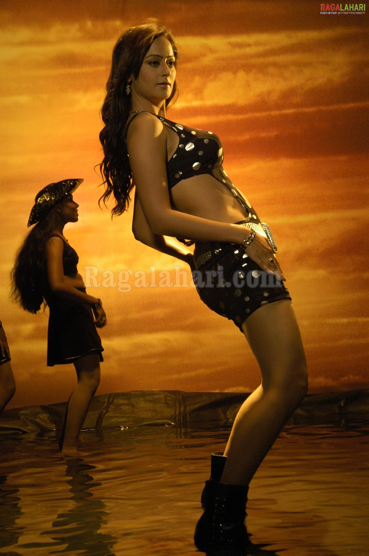 Kaveri Jha hot pics