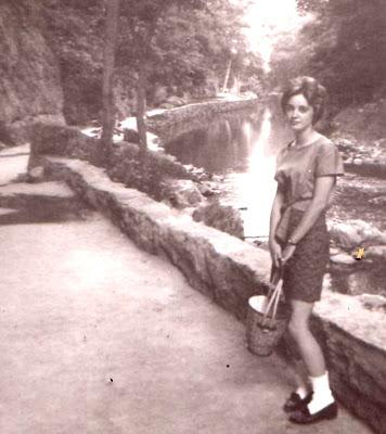 sepatu pantofel wanita 1960