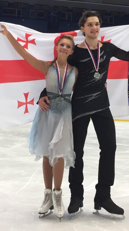 Спортсмены из Грузии - серебрянные призеры юниорского Гран-При по фигурному катанию в чешском Остраве