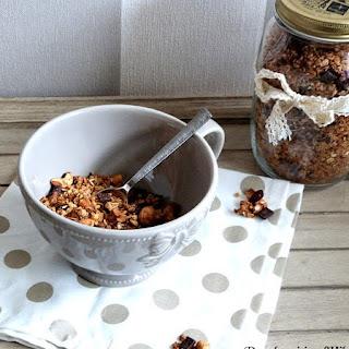 https://danslacuisinedhilary.blogspot.com/2016/02/granola-maison-noix-de-cajou-chocolat-cranberries.html