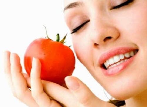 Manfaat Tomat Untuk Merawat Wajah