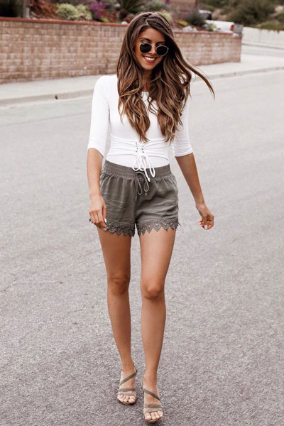 Corset Waist Bodysuit with Crochet Shorts | 17 Nice Fall Outfits When You Hate Everything You Own