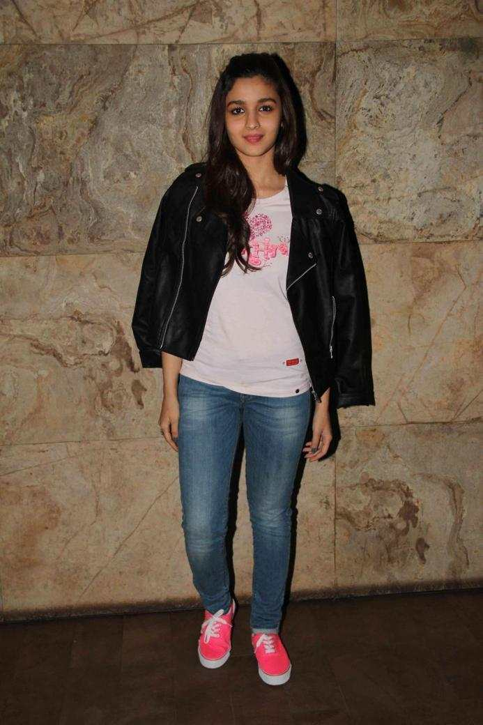 Alia Bhatt In White T Shirt Blue Jeans At Film Special Screening
