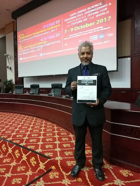 Encik Bahtiar, Pengetua SMK Batu Lintang Sarawak bagi kategori Ketua Sekolah