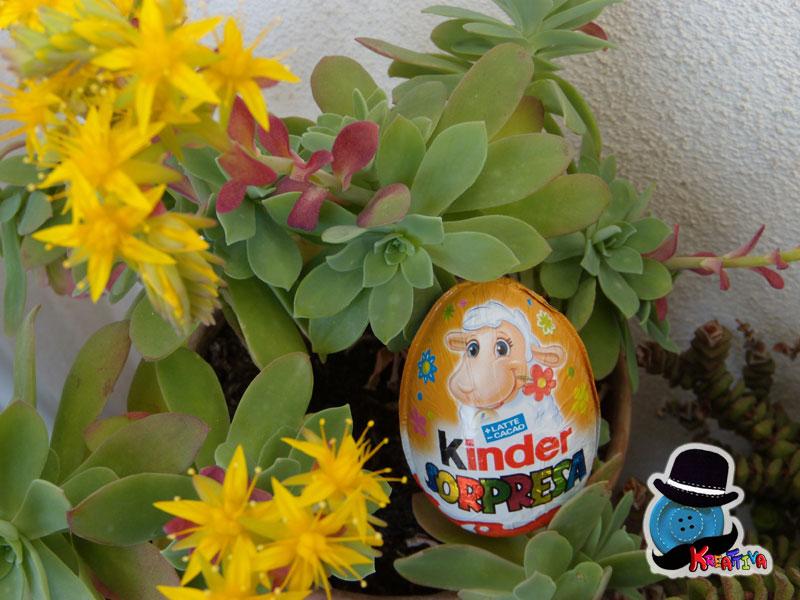 caccia alle uova nei fiori