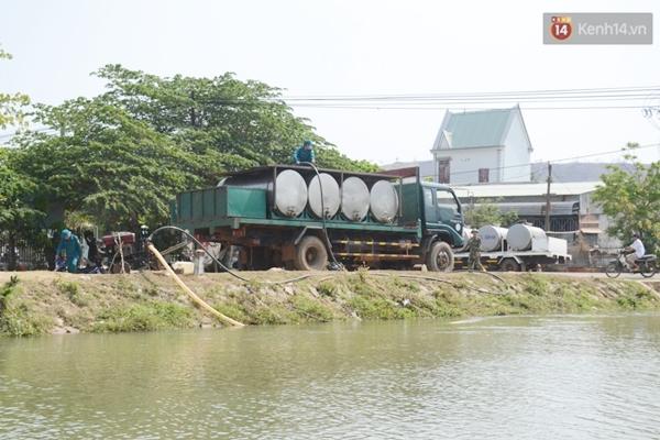 Gia Lai: Bộ đội chở nước về giải cơn khát cho vùng hạn hán