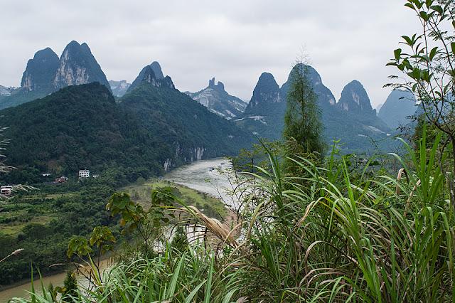 Vue surplombant la rivière Li près de Xingping