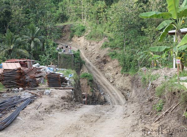 jalan menuju curug gede patuk