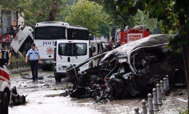 Βόμβα σκορπίζει το θάνατο στην Κωνσταντινούπολη