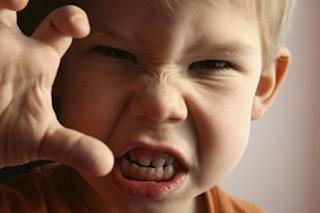 Tips Ampuh Atasi Anak Suka Memukul, Simak Tipsnya !