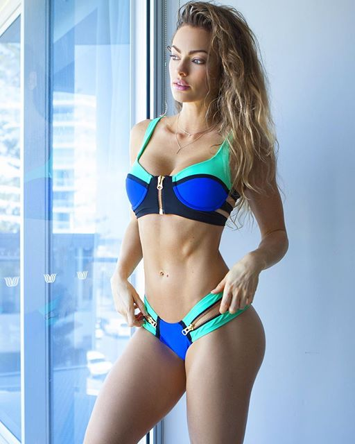 Australian Fitness Emily Skye