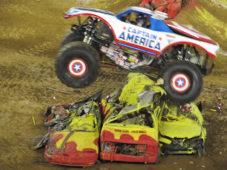 Monster Jam - Captain America
