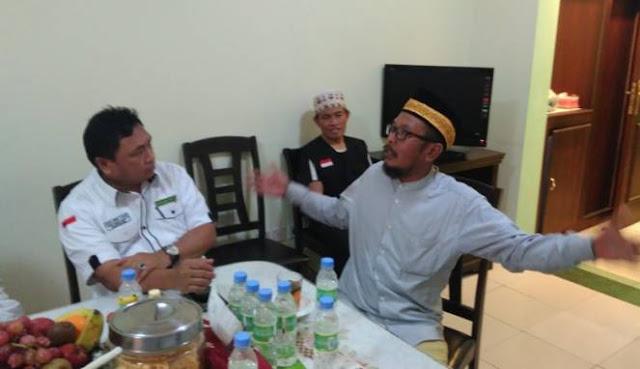 Ditahan Selama 15 Hari, Calon Jamaah Haji Yang Membawa Jimat Ini Akhirnya Dibebaskan