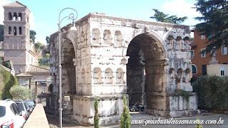 Arco de Jano e Campanário da Igreja de São Jorge al Velabro