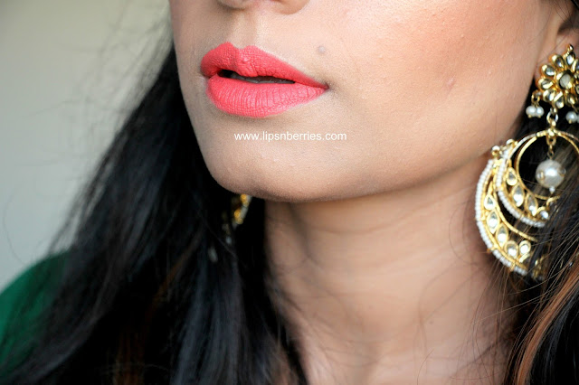 MAC lipstick in Tropic Tonic