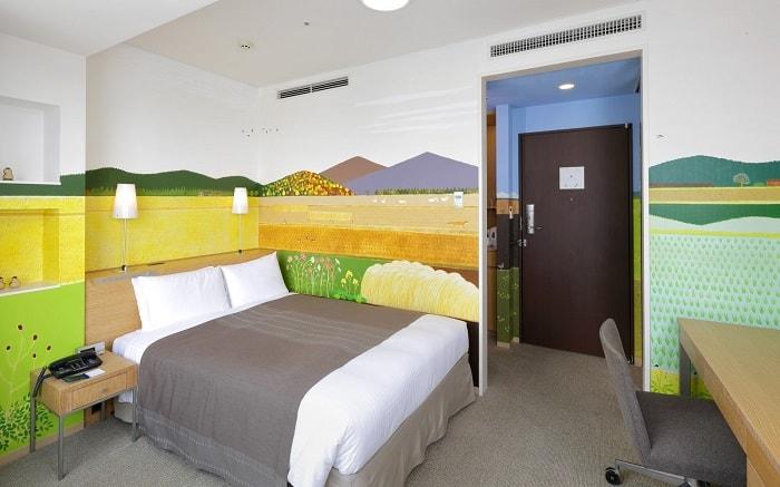 No.17 – Park Hotel Tokyo Artist Room 'Satoyama Landscapes' designed by Kana Ito