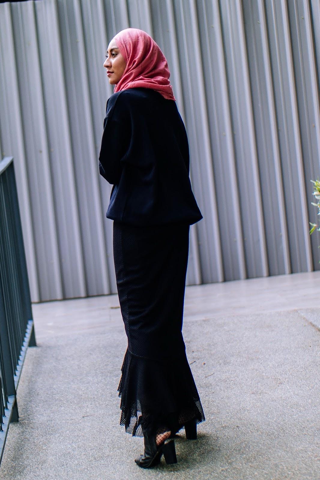 Zara Eyelet Skirt Statement Sweater Kate Spade Dice Bag