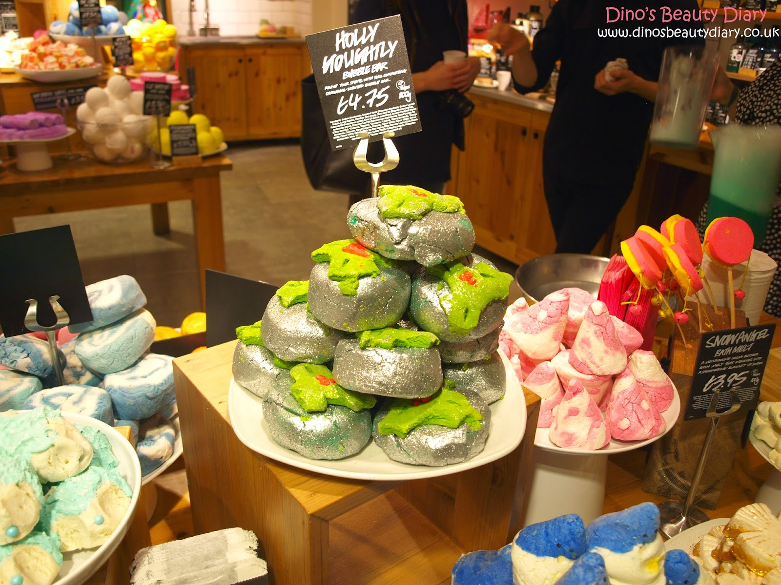 Dino's Beauty Diary - Lush Nottingham Bloggers Event - bubble bars
