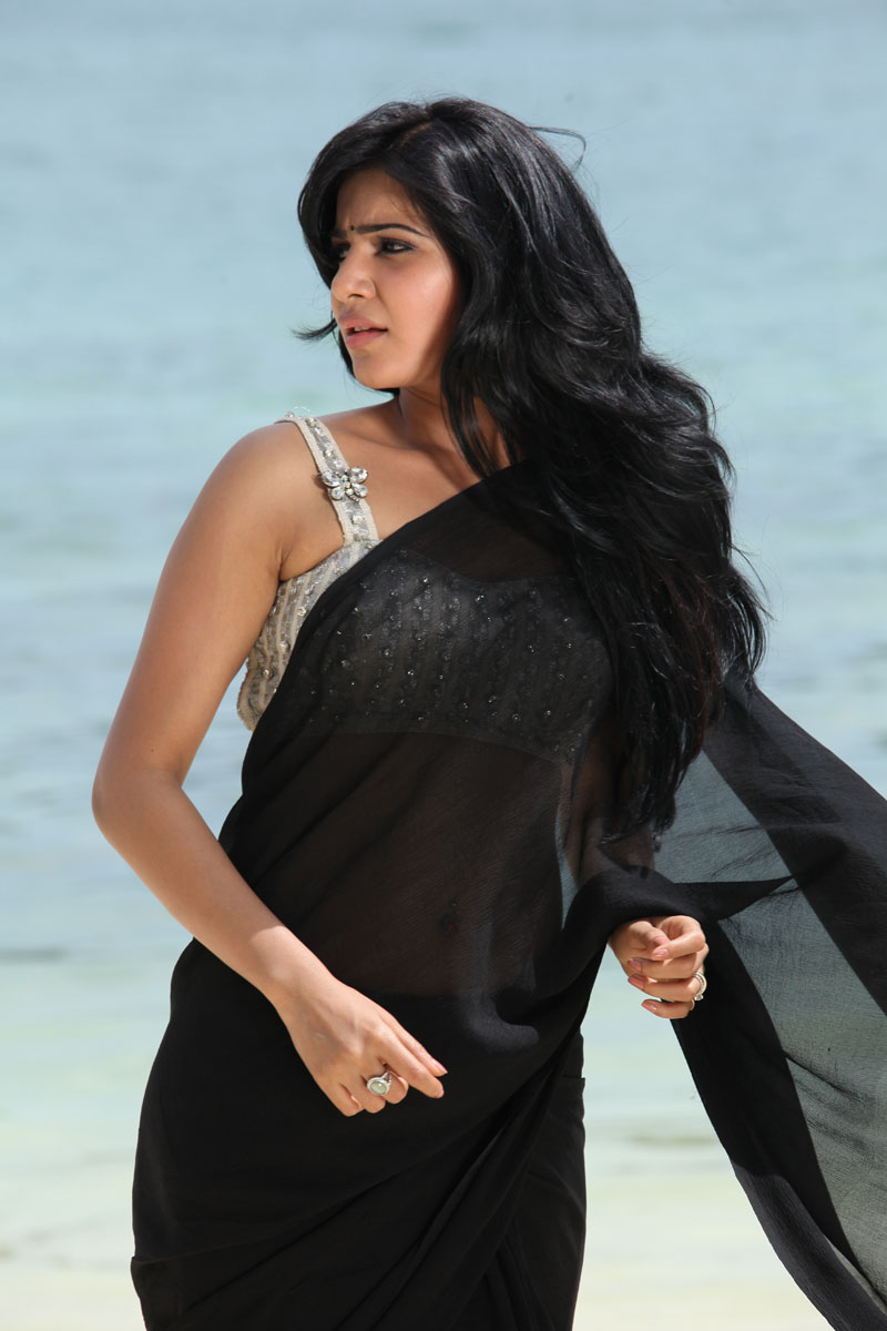 Samantha Ruth Prabhu navel in transparent saree