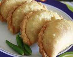 Resep makanan indonesia kue pastel spesial (istimewa) khas lebaran praktis mudah gurih, sedap, enak, nikmat lezat