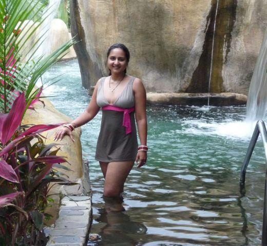 Mallu auntys bathing - 3 4