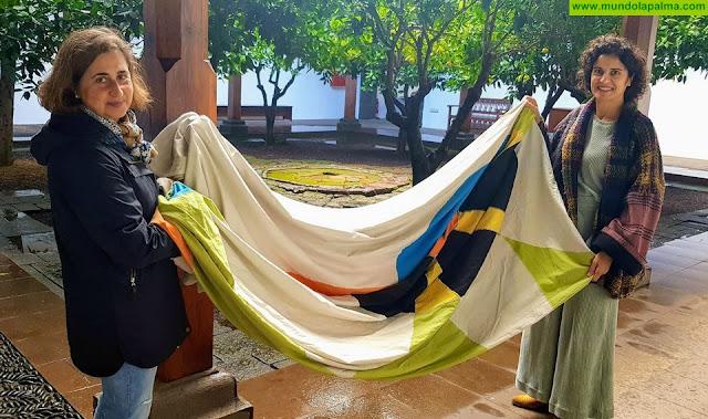El Cabildo rinde homenaje a César Manrique en el centenario de su nacimiento con la exposición de las Banderas del Cosmos