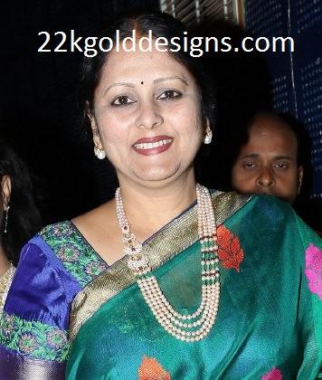 Jayasudha in Pearl Beads Haar