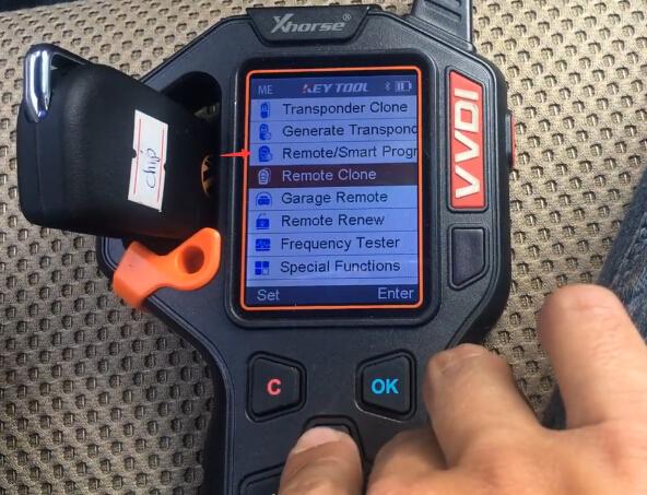 vvdi-key-tool-hilux-2014-remote-3