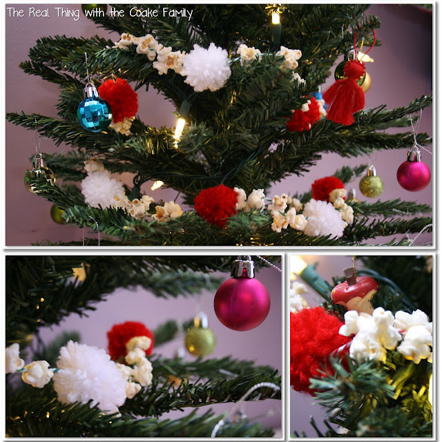 Tree Decorating Ideas: Popcorn and Pom Pom Garland