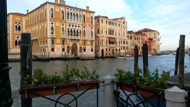 italy, italija, venice, venecija, trip, journey, europe, travel, traveling, izlet, potočki promet, put, putovanje, boat,  couple, par, advent u veneciji, advent in venice