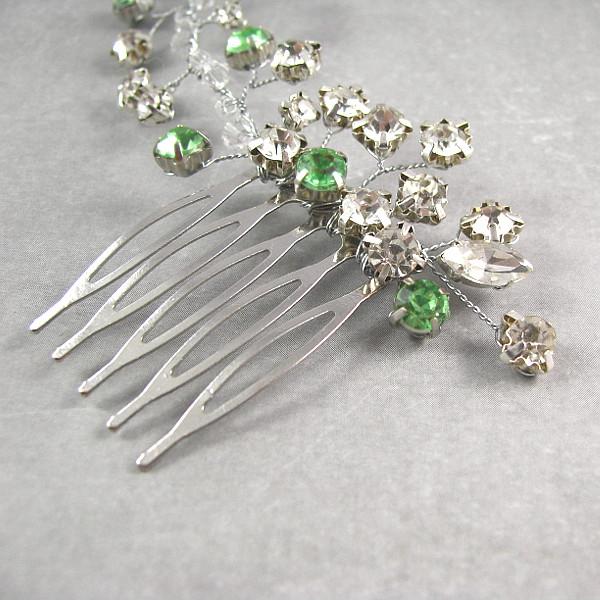 Kryształowa, zielona ozdoba ślubna do włosów.