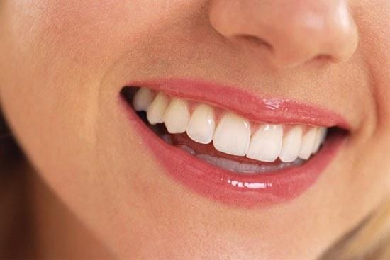 دراسة حديثة تحذر السيدات من إستخدام أحمر الشفاه خوفا من الإصابة بسرطان المعدة