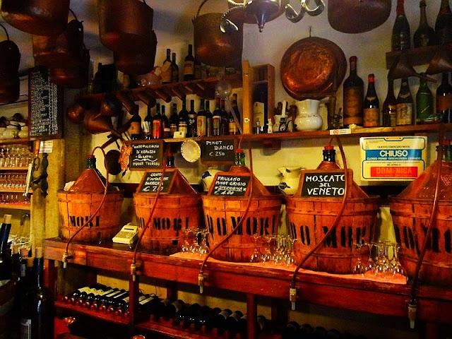 Casanova muzeum, Zhýralec Casanova se vrací domů! zažijte benátky jako místní, benátky průvodce, kam v benátkách, co vidět v benátkách, benátky památky, benátky historie, jak se najíst v benátkách, kde se najíst v benátkách, co ochutnat v benátkách, kam v benátkách na víno, benátky aperol spritz,